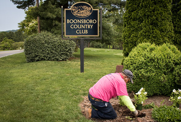 Landscaping boonsboro Lynchburg West Virginia Planting Landscape professionals